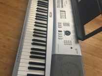 Синтезатор Yamaha Portable Grand DGX-220