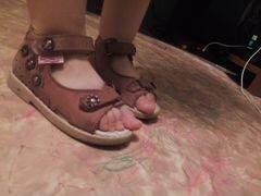 Детские блестящие туфли