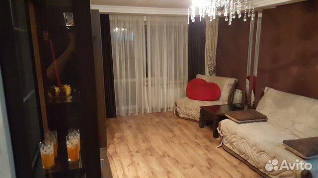 Продается двухкомнатная квартира за 3 600 000 рублей. улица Алябьева, 21.