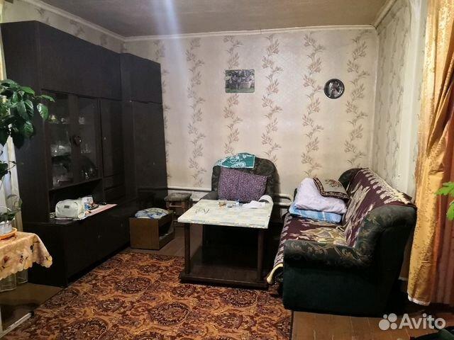 Продается двухкомнатная квартира за 700 000 рублей. д глазуново.