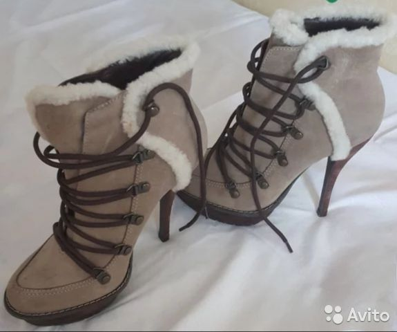 Модные ботильоны со шнуровкой
