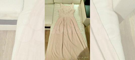 Платье Valentino бежевое кружево купить в Москве на Avito — Объявления на  сайте Авито 22ea4237452