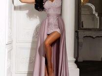 Продаётся шикарное платье цвет пудра 44 размера
