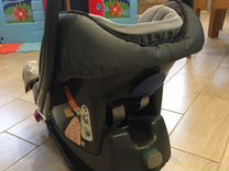 Автомобильное кресло с базой